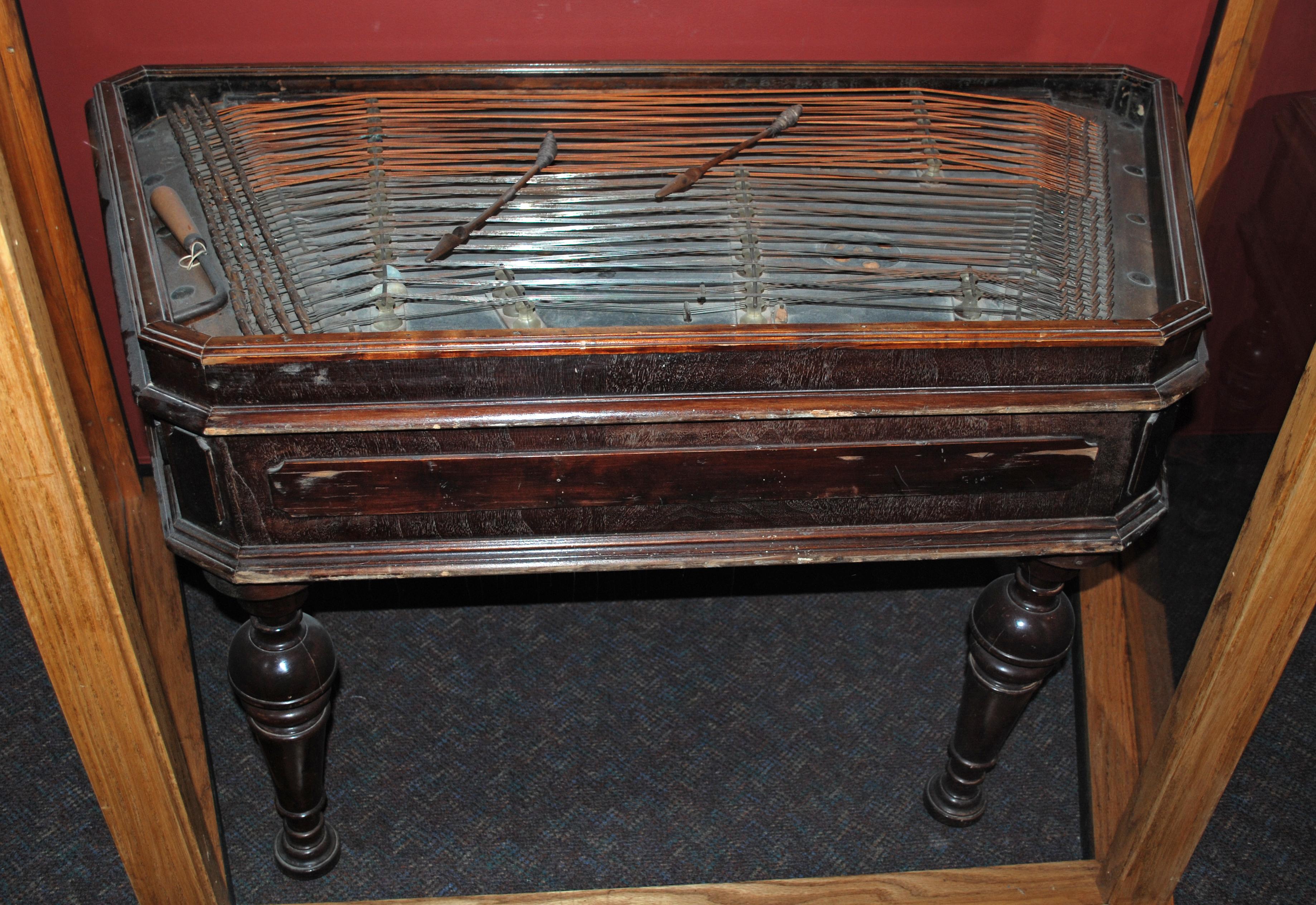 Object: Dulcimer (Cimbalom (Hungarian Dulcimer)) | UTSA Institute Of Texan Cultures