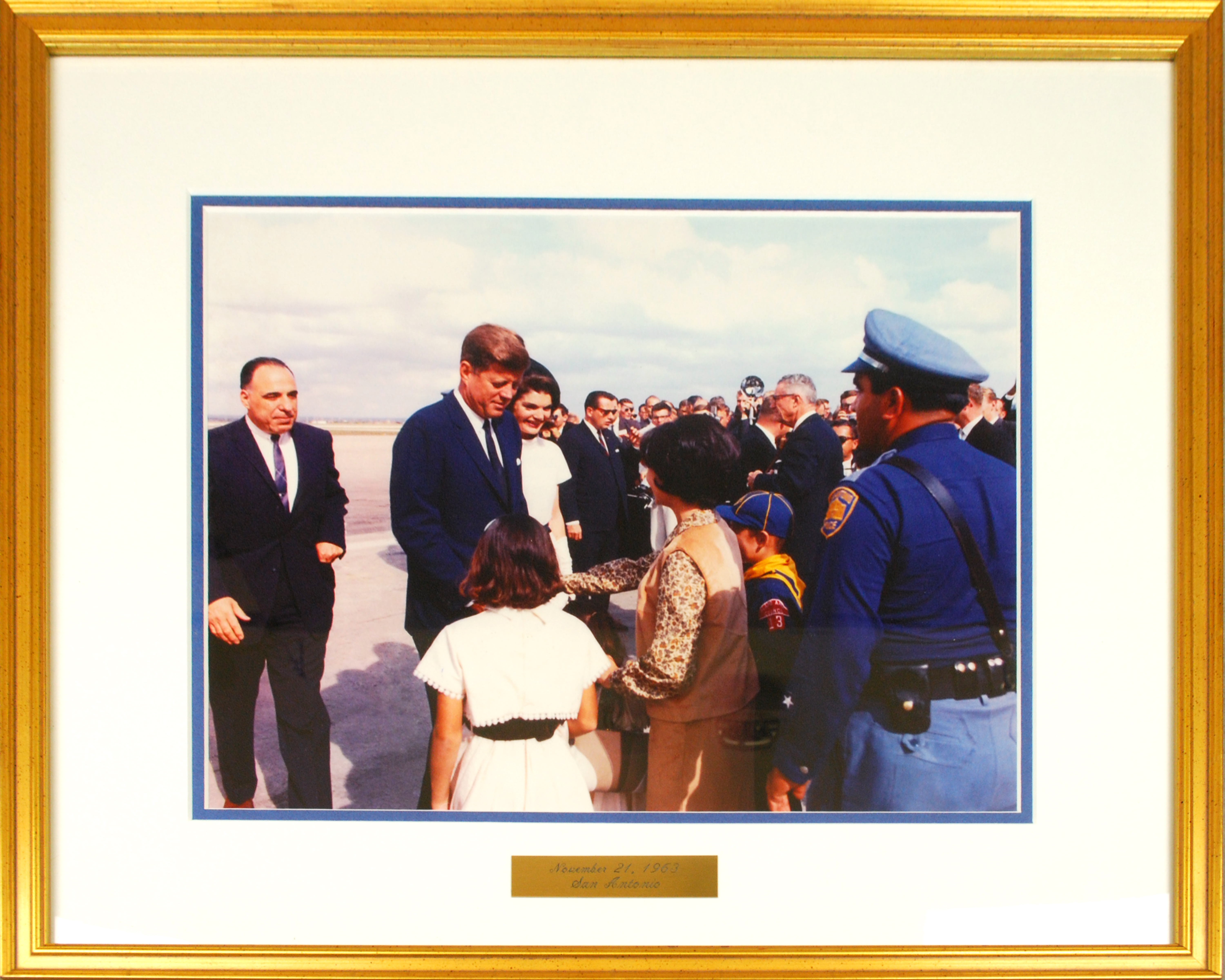 Object: Photograph (photograph of President John F. Kennedy and Jackie Kennedy) | UTSA Institute Of Texan Cultures