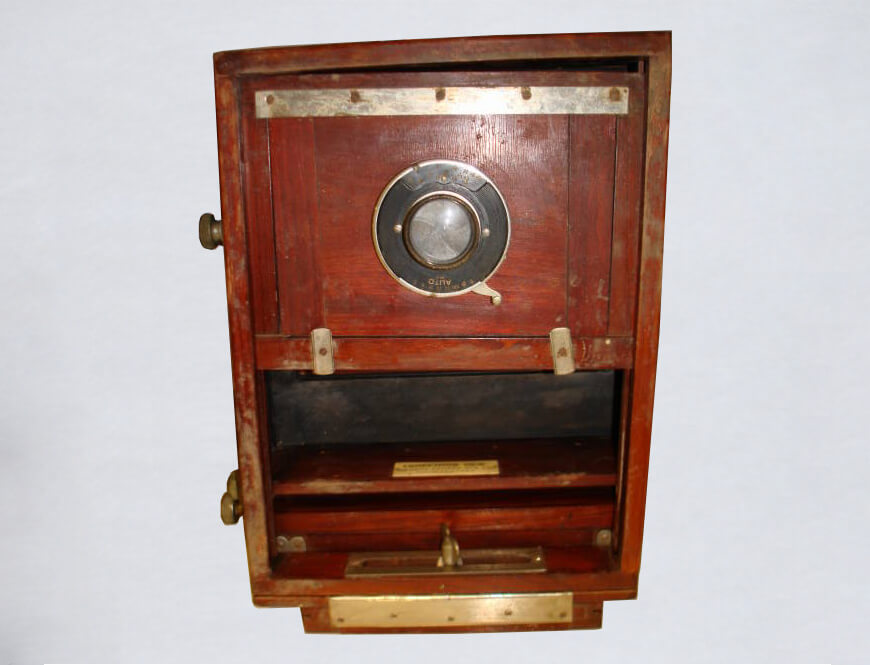 Front view of the Seneca Competitor View Camera