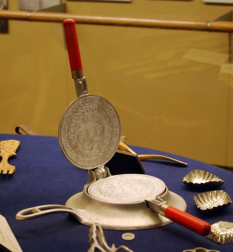 Object: Cookie iron (Krumkake Iron)   UTSA Institute Of Texan Cultures