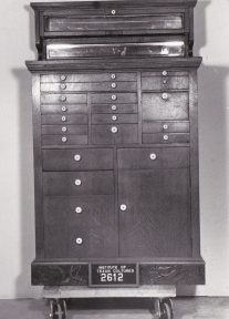 Object: Cabinet (Dentist Cabinet)