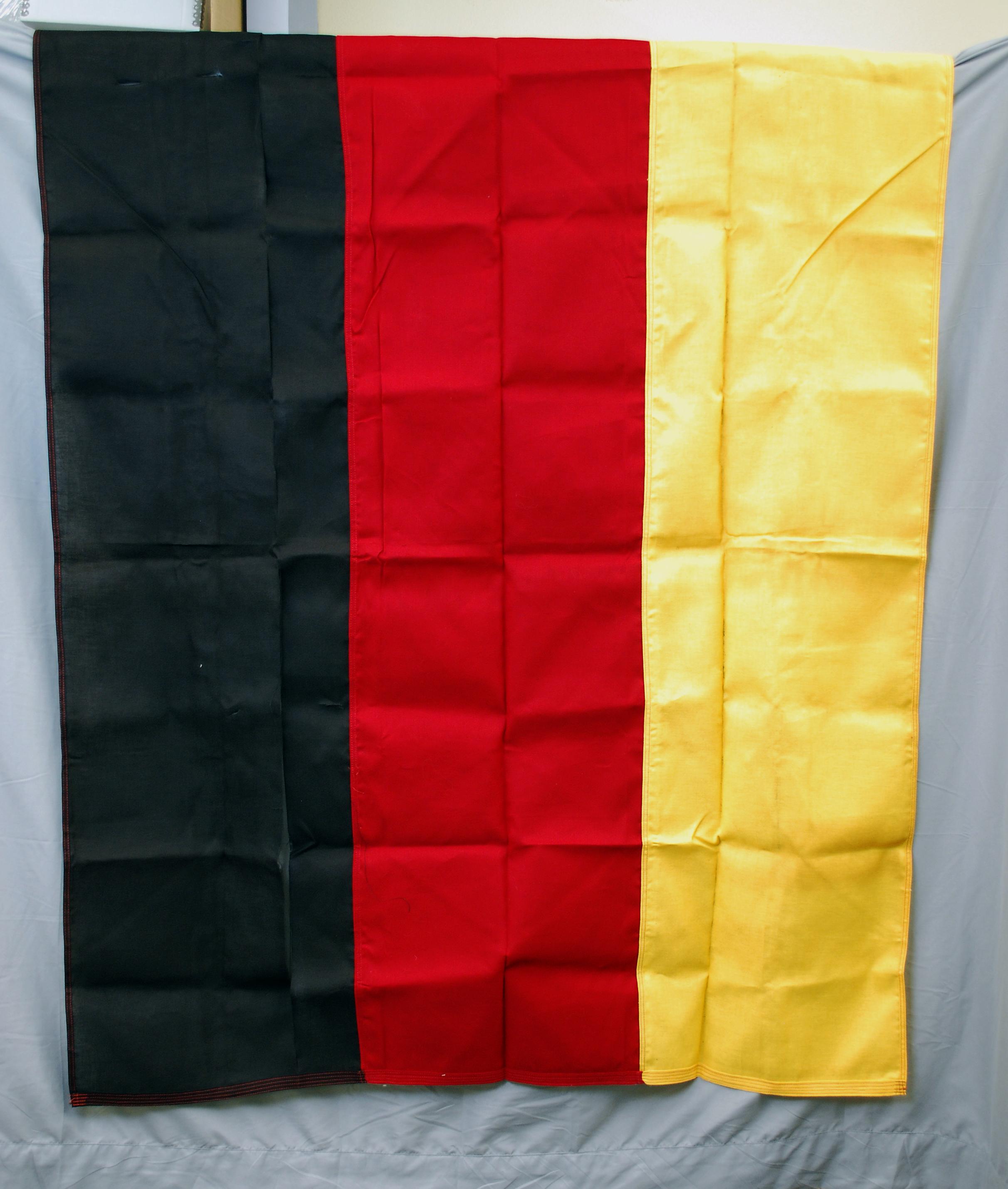 Object: Flag (Federal Republic Germany Flag Replica) | UTSA Institute Of Texan Cultures