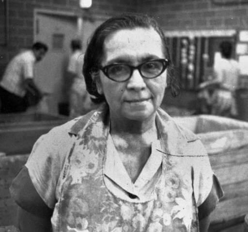 Liberata Fernandez, employee of Finck Cigar Company since 1916 (ca. 1980). Image via UTSA Special Collections Library, Image Identifier 100-0279.